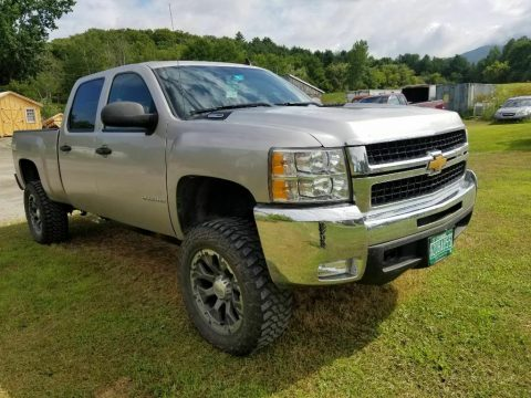 well maintained 2007 Chevrolet Silverado 2500 offroad for sale