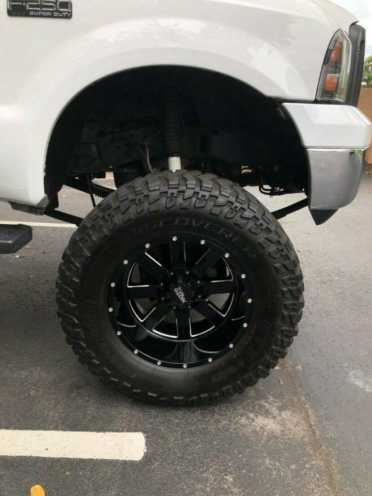 brand new parts 2004 Ford F 250 XLT offroad