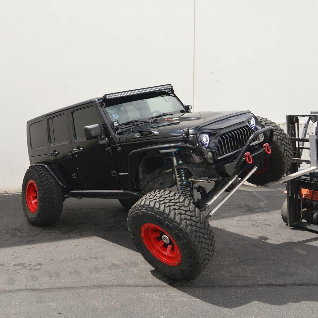 Hemi powered 2010 Jeep Wrangler Rubicon Unlimited offroad