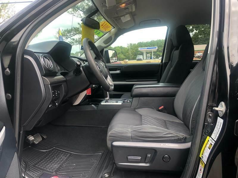 sharp 2014 Toyota Tundra SR5 4×4 offroad