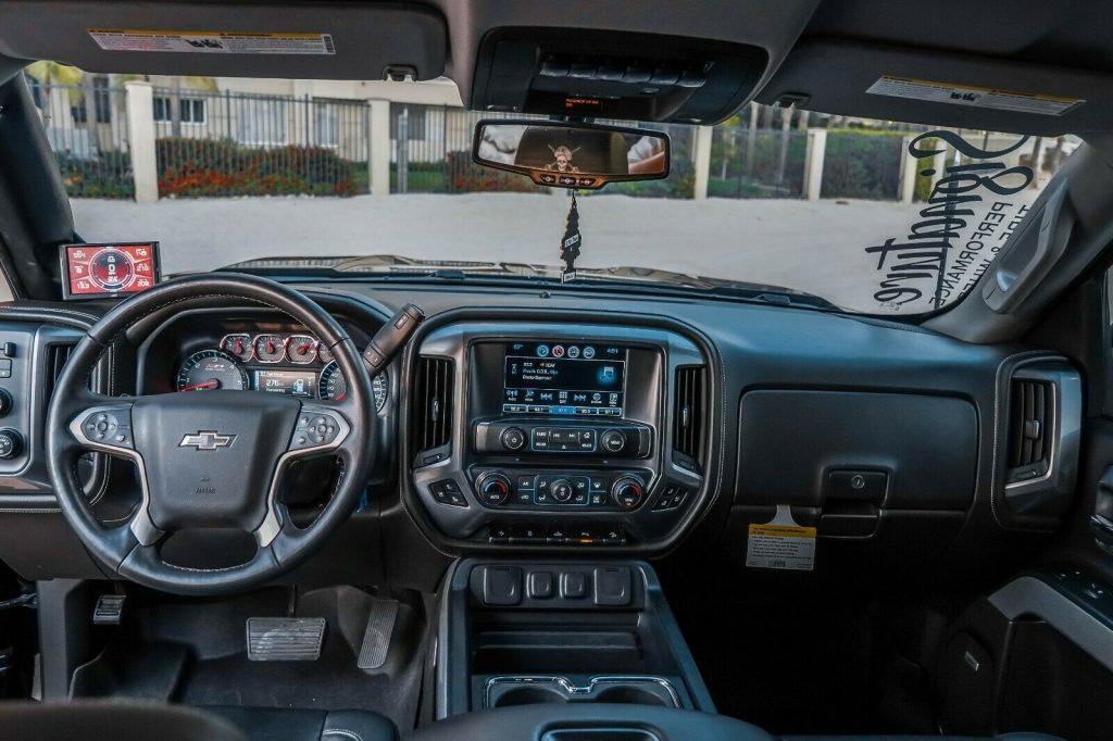 fully loaded 2017 Chevrolet Silverado 1500 LTZ Z71 Midnight Edition 6.2L offroad