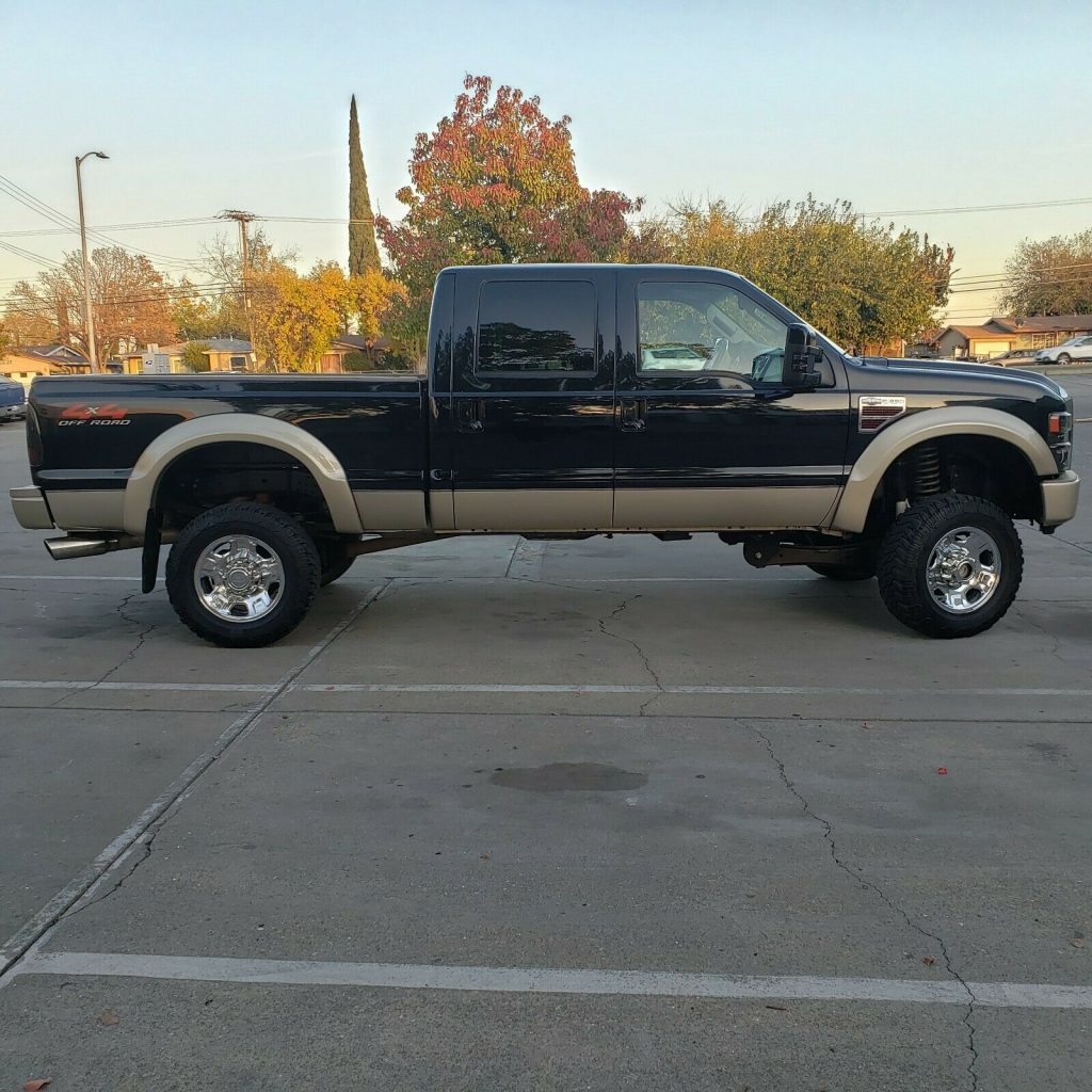 great working 2008 Ford F 350 King Ranch offroad