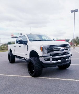 low miles 2017 Ford F 250 LARIAT offroad for sale