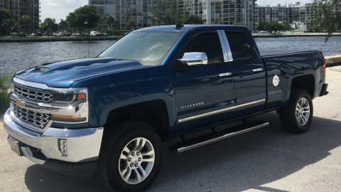 very clean 2018 Chevrolet Silverado 1500 lt offroad for sale