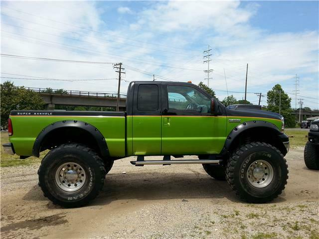 well modified 2006 Ford F 250 XL offroad
