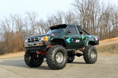 custom 1985 Toyota Pickup SR5 offroad for sale