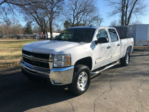 great shape 2010 Chevrolet Silverado 2500 LT offroad for sale
