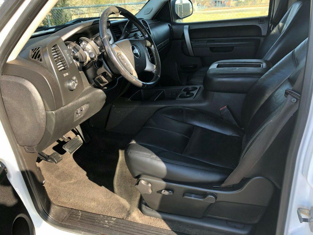 great shape 2010 Chevrolet Silverado 2500 LT offroad