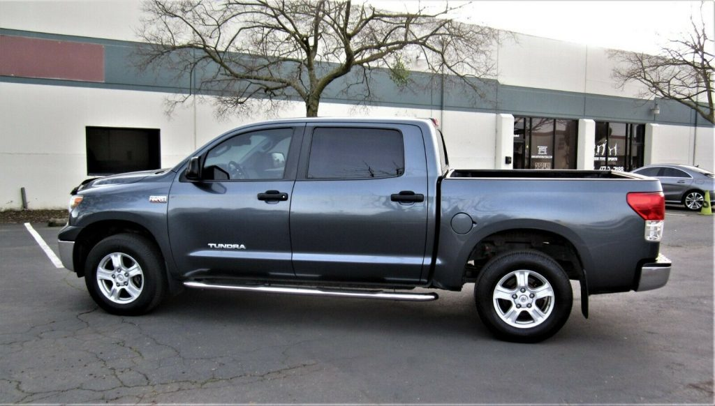 well equipped 2010 Toyota Tundra Grade offroad
