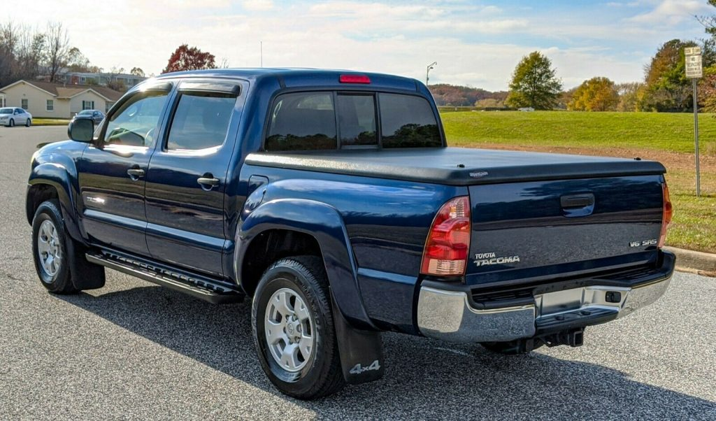 well maintained 2006 Toyota Tacoma offroad