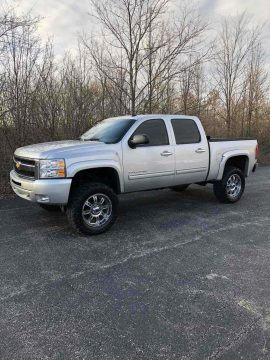 great shape 2011 Chevrolet Silverado 1500 K1500 LT offroad for sale