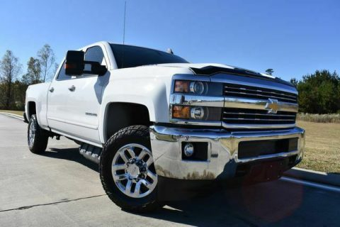 great shape 2018 Chevrolet Silverado 3500 LT offroad for sale
