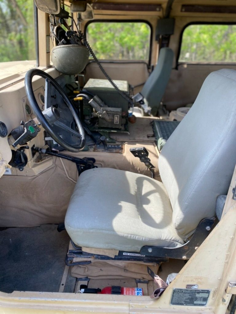 runs and drives 2001 AM General M1045a2 Hmmwv offroad